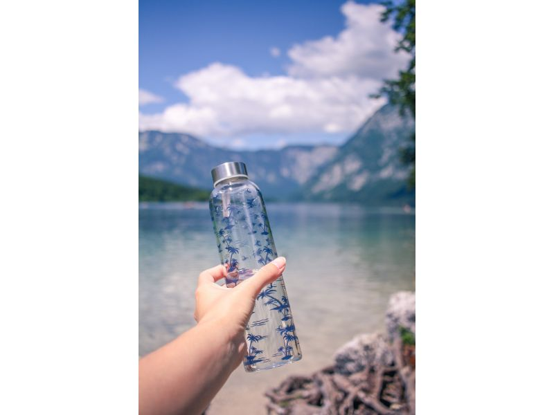 Tropical glass water bottle with print